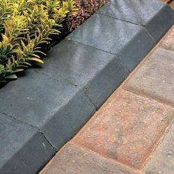 bradstone-block-kerb-small-charcoal